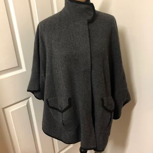 🖤 Cashmere Poncho with Zipper and Pockets!